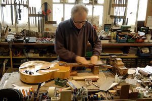 luthier-300x200